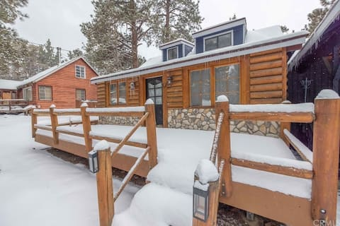 Bright & Clean Family Friendly Cabin