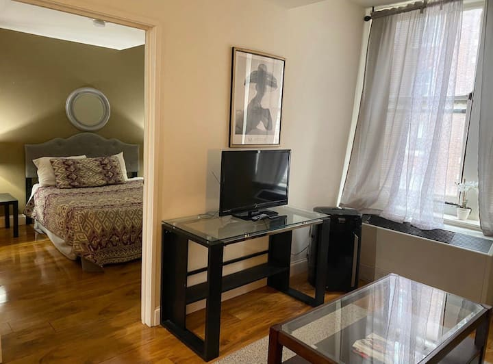 Convenient 1 BR Apt in Downtown - Smart TV WiFi