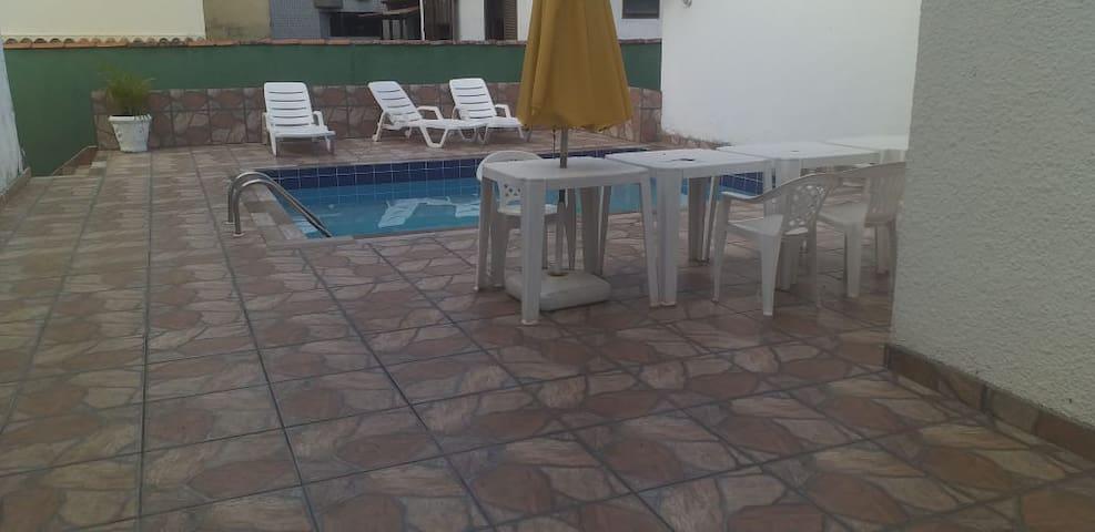 piscina  uso livre