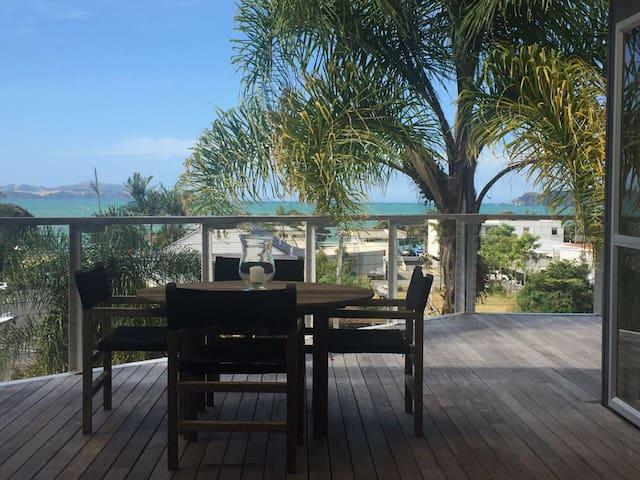 Annandale Beach House + Studio (with Air Con!)
