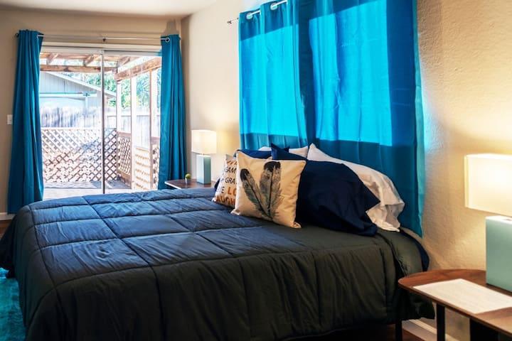 Memory foam queen Mattresses with an extra twin floor mattress!