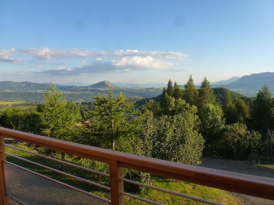 Vue depuis le balcon vers la vallée