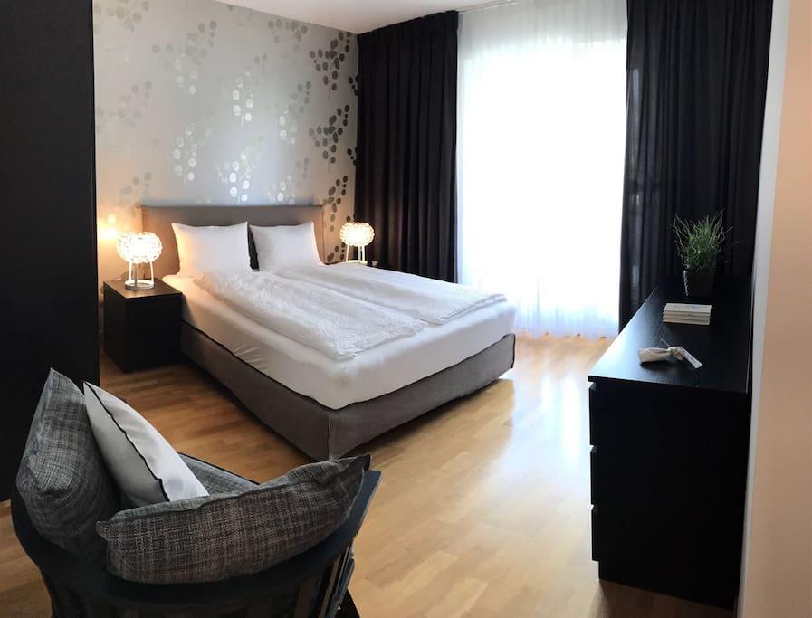 designer wohnung im herzen asconas wohnungen zur miete in ascona tessin schweiz. Black Bedroom Furniture Sets. Home Design Ideas
