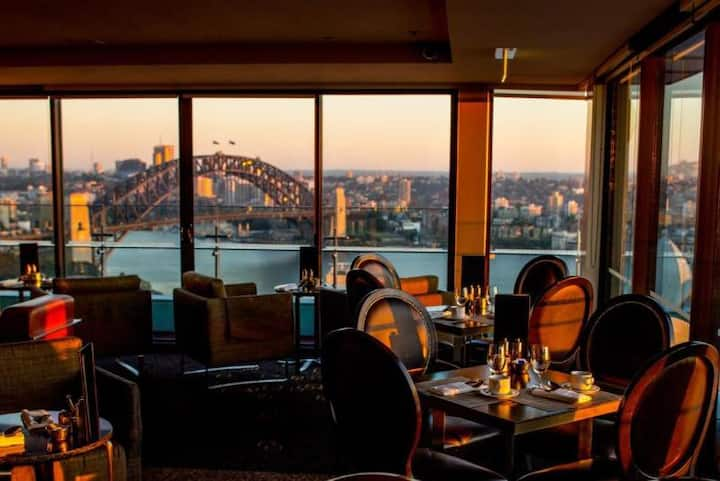 Enormous Room Deluxe Harbour View At Sydney Cbd