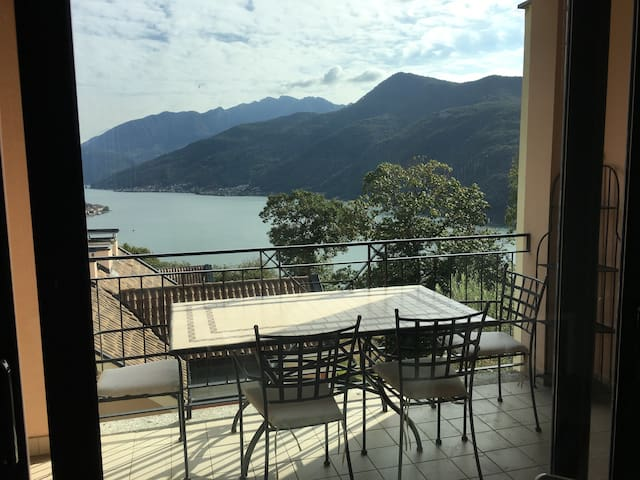 Marvelous Loft & outstanding view on Lugano Lake