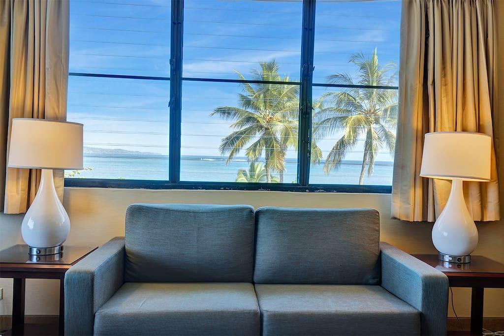 1 Bedroom Ocean Suite - Living Room