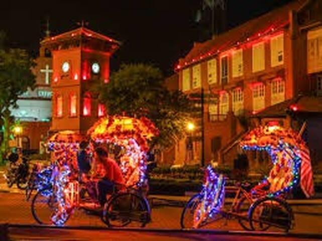 "one of the city got this transport Unique Melaka 来马六甲一定要体验三轮车 ""三轮车跑得快""。。。。"