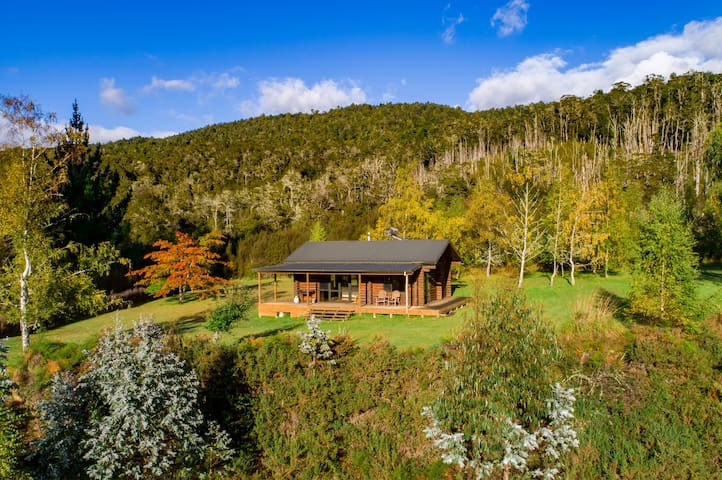 Eco-friendly log cabin 30 minutes from St Arnaud