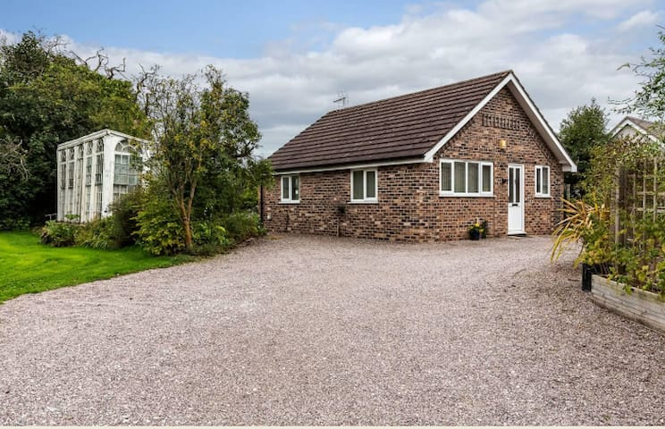 Private annex in beautiful gardens near Nantwich