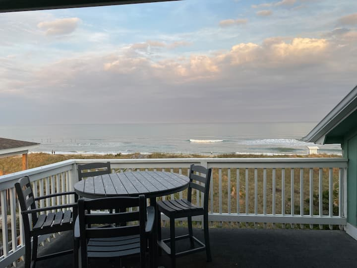 Oceanfront condo-3A-Pet Friendly! Linens Provided!