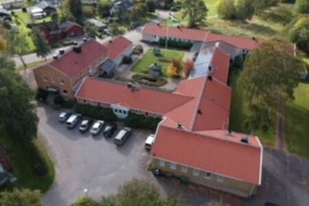 Brålanda Hotell & Vandrarhem Möjligheternas hus
