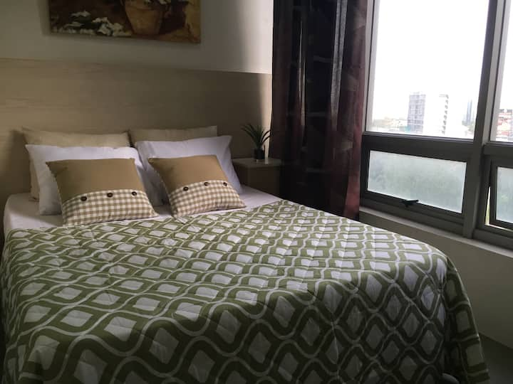 Relaxing and spacious studio unit in IT Park Cebu