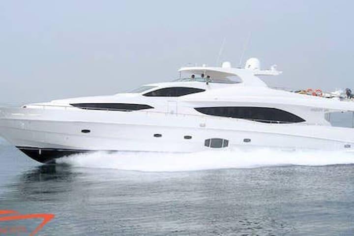 Dubai the best penthouse  Jbr-  Yacht included (R)