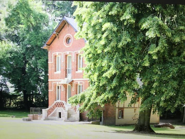 Private house in Le Landin castel Normandie