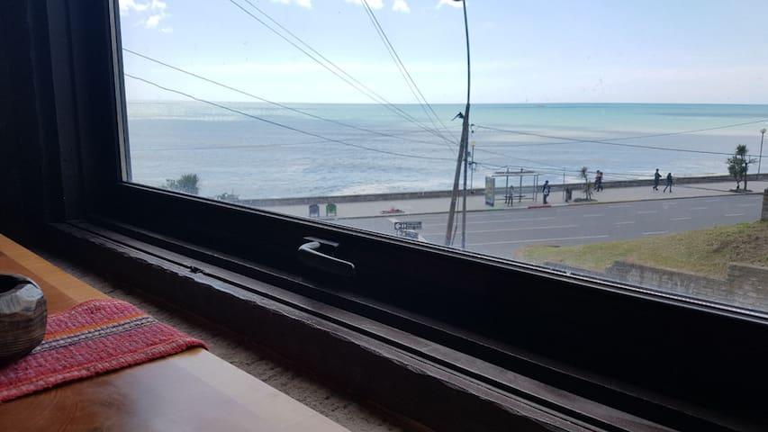 Loft 50 m2, frente al mar con cochera