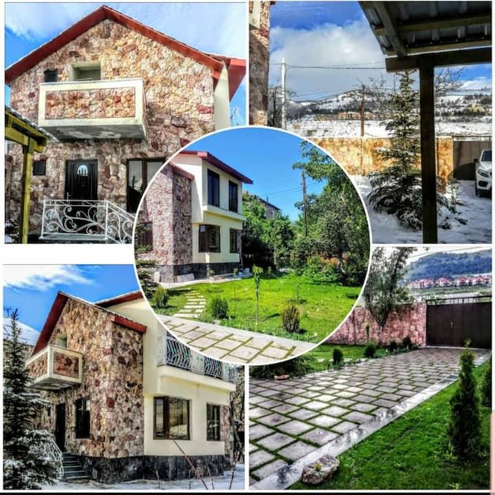 ❄Amazing Cottage ☃ 3 mins to Kecharis Complex †