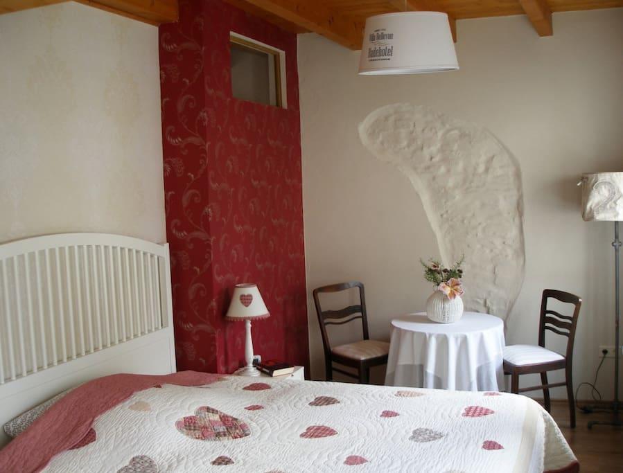 Schlafzimmer 2 mit Doppelbett 1,80x2,0m (Zustellbett optional)