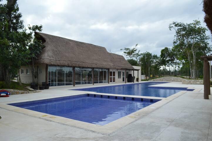 Casa super equipada y con guardias - Cancún - Ev