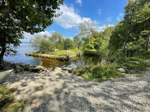 LakeLands water cabin