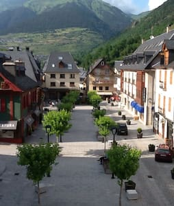 Apartamento con vistas a la montaña - Vielha - Pis