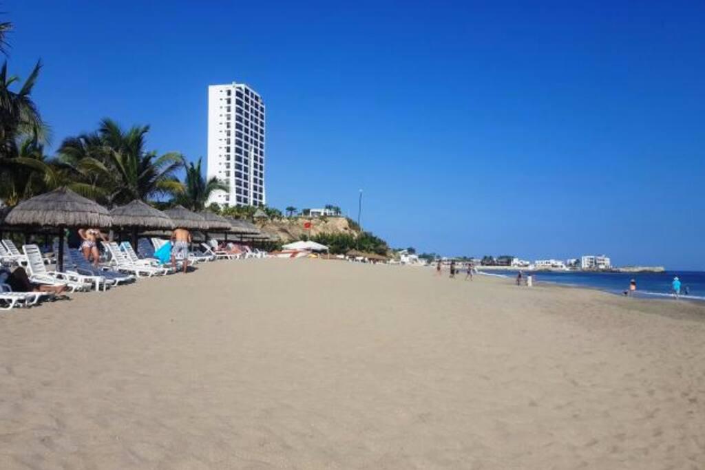 Playa privada a 100 metros del apartamento