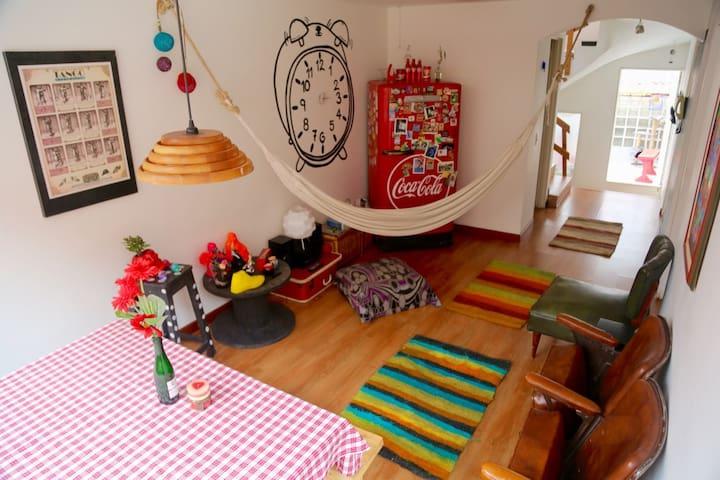 Acogedora Habitacion privada con cama doble 2 piso - Bogotá - Casa