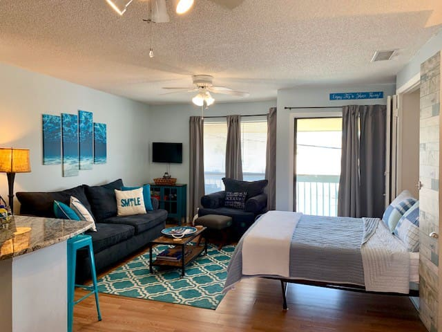 Wonderful studio in Sandpiper Cove Resort.