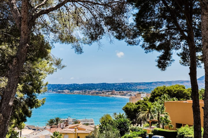 Villa Diana Port, Modern with AC & Magnificent Sea Views