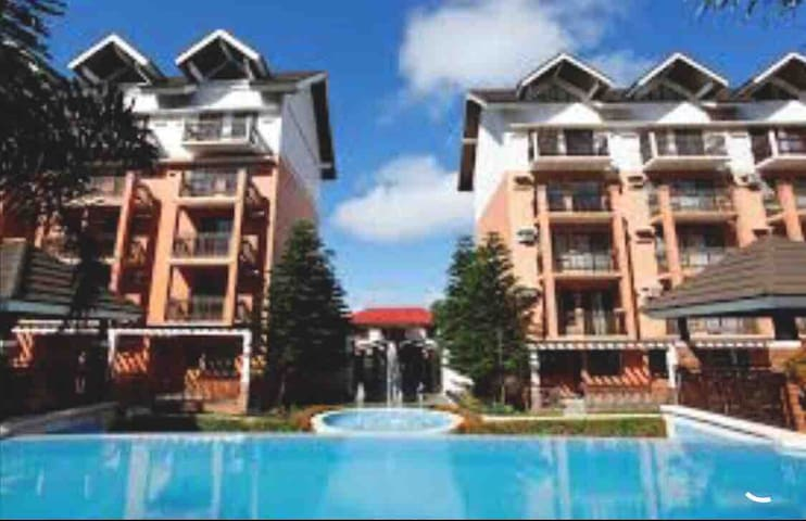 Tagaytay 2bedroom unit right infront of Courtyard