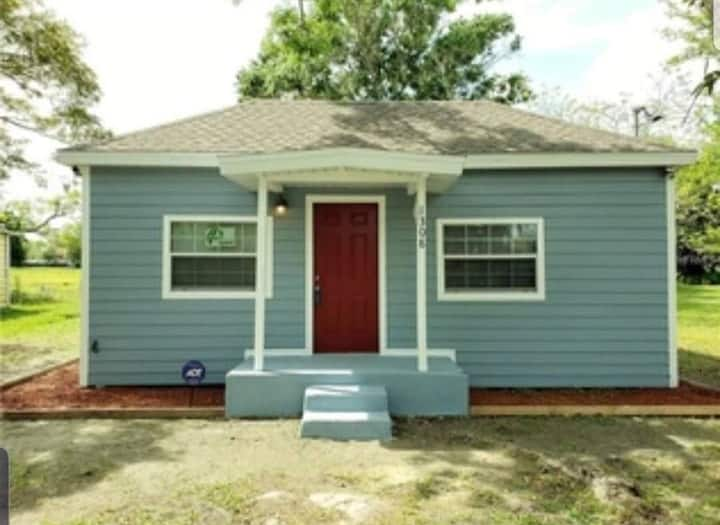 Private room near downtown Kissimmee!