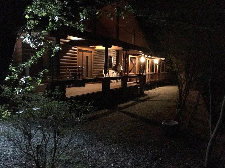 日本の田舎のログハウスパート3に泊まる