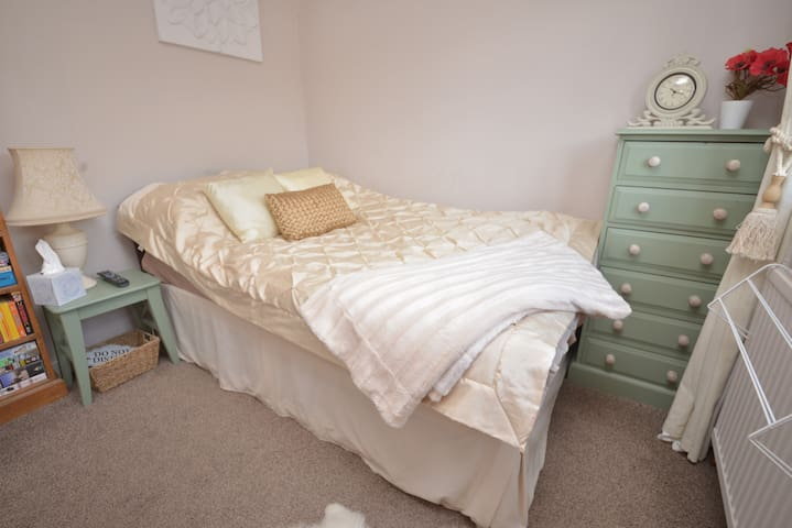 Great Family House in SW London - Sunbury-on-Thames - Talo