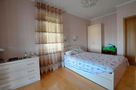 Комфортная комната  для двоих Бугаз - Karolino-Buhaz