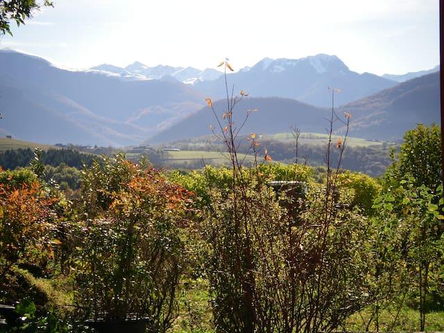 Maison de vacance tout confort face aux Pyrénées