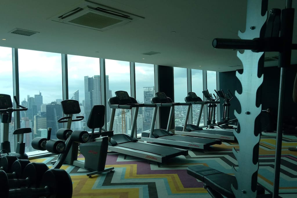 Availability of gym at 52nd floor.