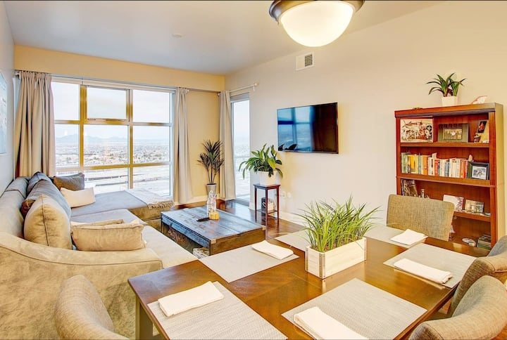 Luxury condo right in the heart of downtown LV!