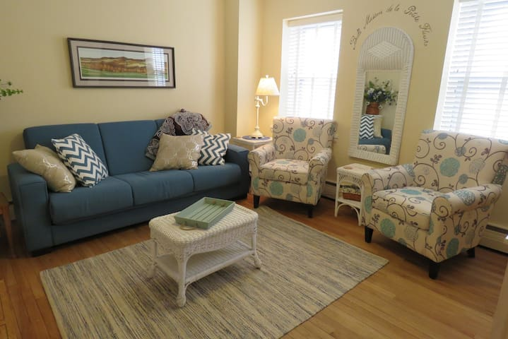 Galena Getaway Apartment Suite - On Main! - Galena - Leilighet