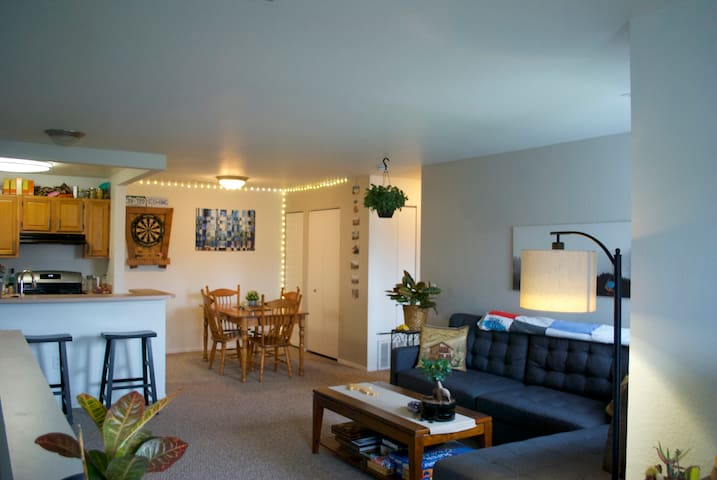 Cozy Conference Oasis - 5 min from MSU & Kellogg