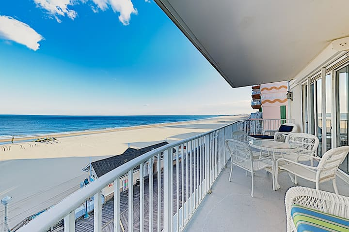 New Listing! Beachfront Penthouse w/ Ocean View