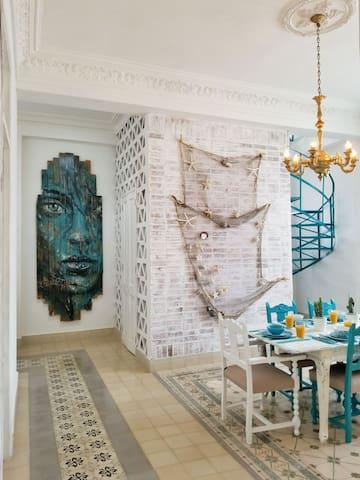 Modern & Colonial Casa FREE