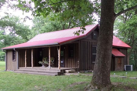 War Eagle Homested Cabin Tucked Away on Beaver Lake in the Ozark Mountains - Beaver Lake - Andere
