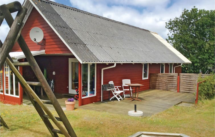 Holiday cottage with 3 bedrooms on 98m² in Hemmet