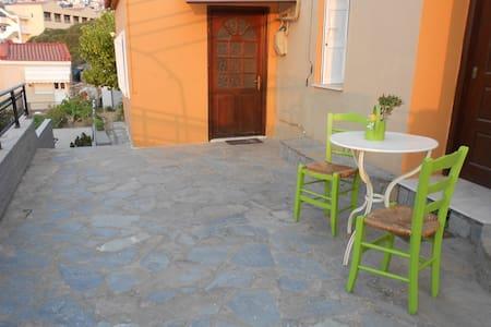 Traditional House in Samos Vathi -  City Centrum. - Samos - Dům