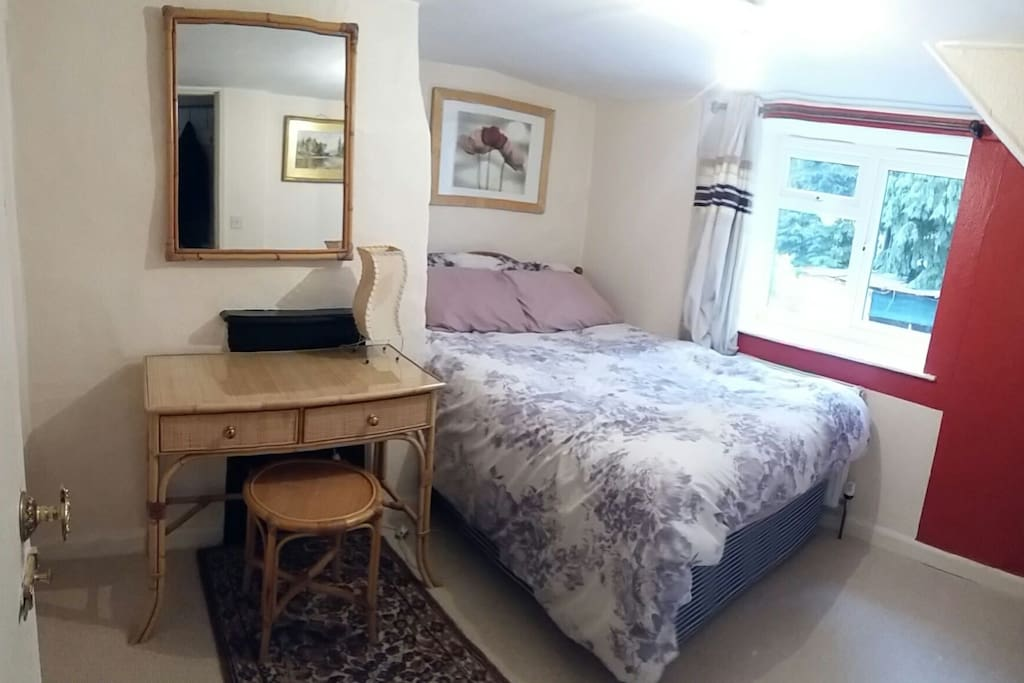 The 'Fox and feathers' room with radiator, USP ports and wifi
