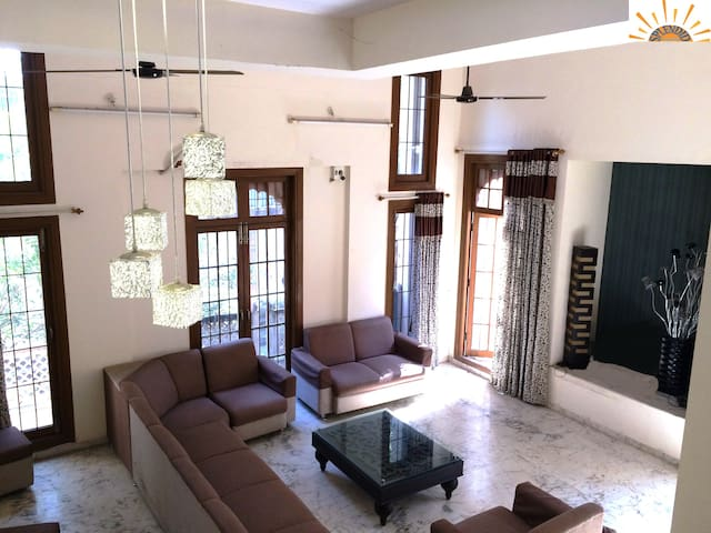 Cozy Private Room in Prime Location Thane - WiFi