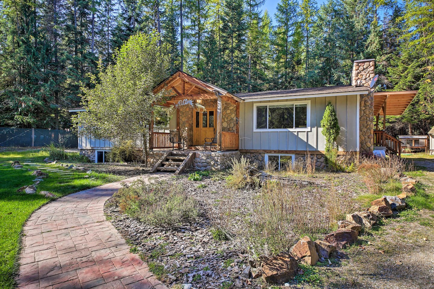 Priest Lake adventures await at this newly renovated vacation rental!
