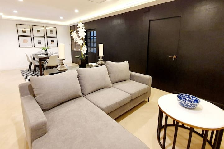 New* Streetfront 2BR Boutique Suite/FL4 CityCenter