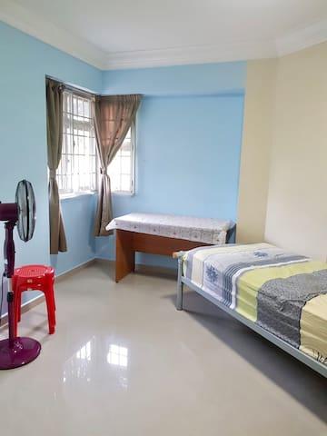 Bukit Batok Common Room For Rent