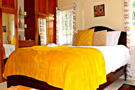 Jamaica Dream 1 bedroom apartment with air con. - Flat