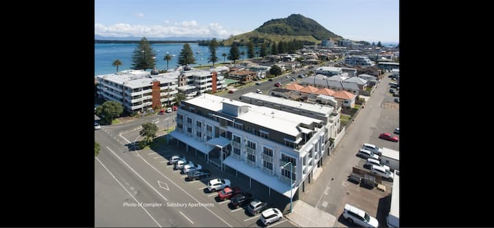 PENTHOUSE - downtown Mt Maunganui at Pilot Bay